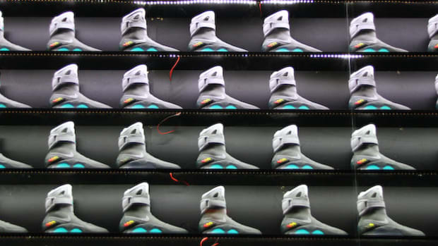 2011-nike-mag-back-for-the-future-at-the-montalban-sm