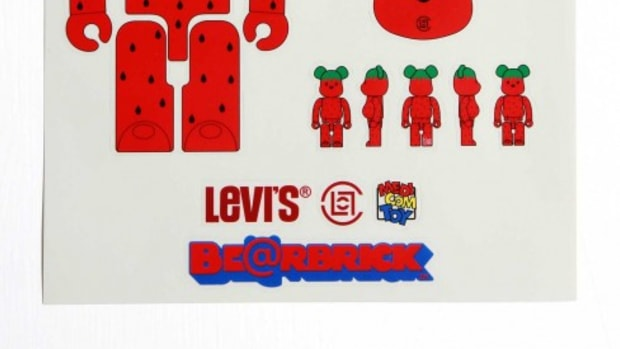 clot-levis-medicom-strawberry.jpg