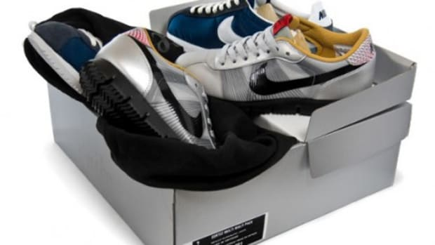 Nike Flymotion Cortez + Cortez Brothers Figures