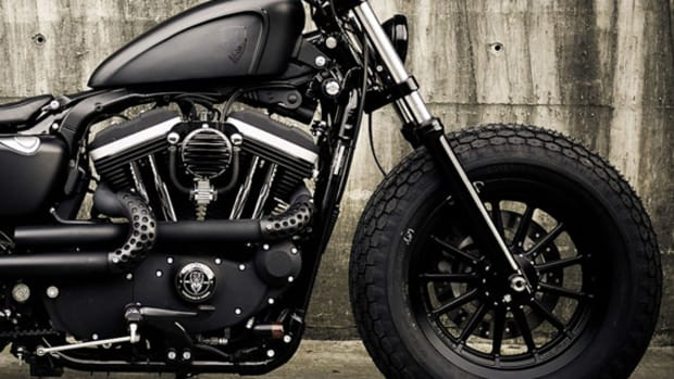 harley-davidson-sportster-iron-883-iron-guerilla-custom-by-rough-crafts-00
