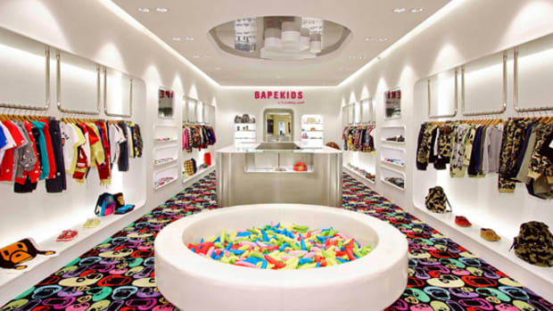 a-bathing-ape-bape-kids-store-hong-kong-01