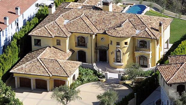 kanye-west-kim-kardashian-bel-air-california-home-11-million-dollars-01