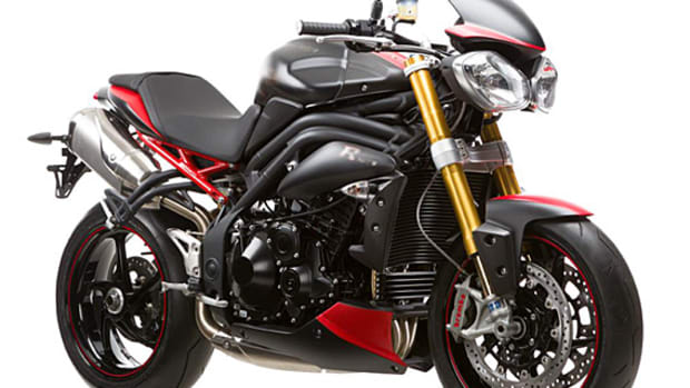 triumph-speed-triple-r-dark-motorcycle-england-exculsive-01