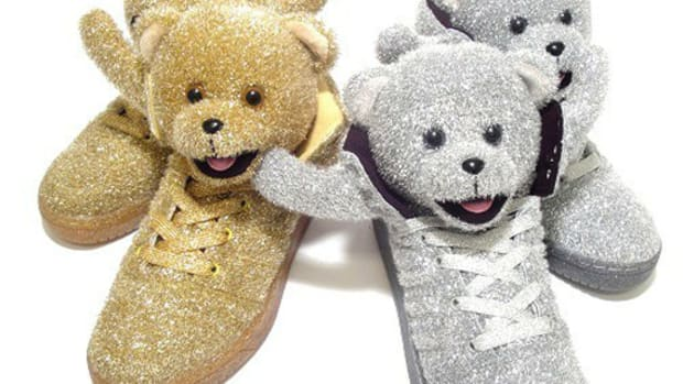 adidas-originals-jeremy-scott-js-bear-christmas-sm