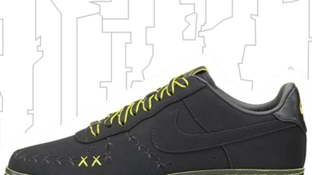 Nike 1WORLD - KAWS Air Force 1