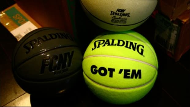 Flight Club x SPALDING - Basketballs - 0