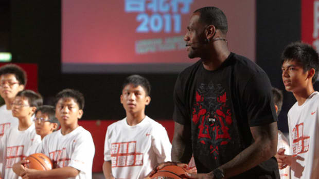nike-basketball-lebron-james-greater-china-tour-2011-taipei-00