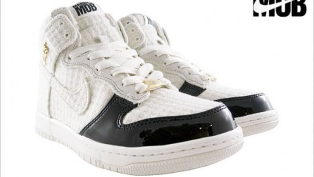 Nike Womens Dunk High x Married to the Mob