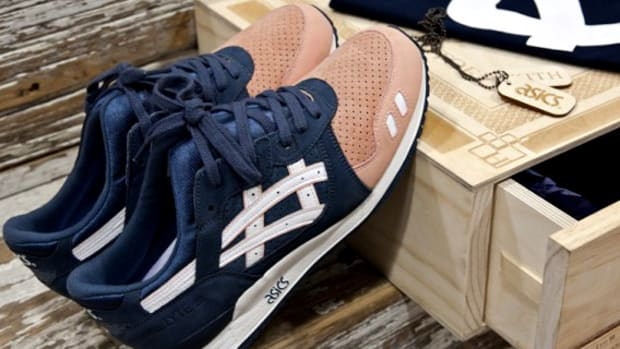 asics-salmon-toe-01