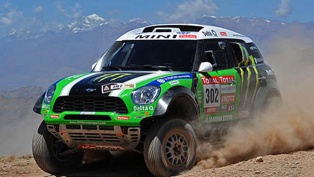 xride-monster-energy-mini-all4-dakar-01