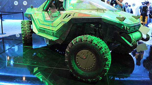 halo-4-warthog-fighting-vehicle-00