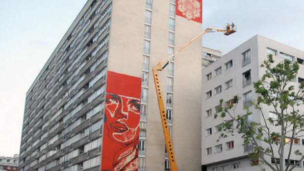 shepard-fairey-new-mural-in-paris-00