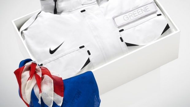 nike-sportswear-m65-jacket-for-top-uk-althetes-03