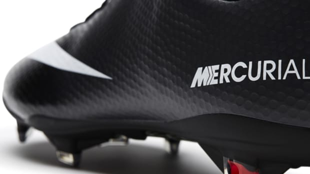 nike-soccer-black-boot-collection-01