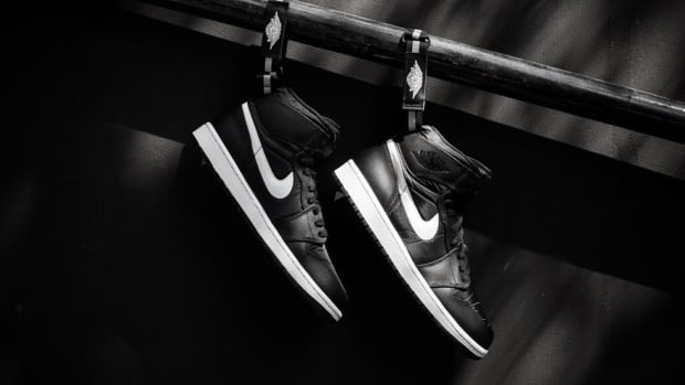 air-jordan-1-high-og-strap-black-white-00