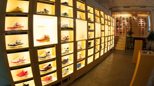 the-worlds-largest-air-max-wall-00