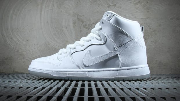 nike-sb-dunk-high-pro-white-light-base-grey-00