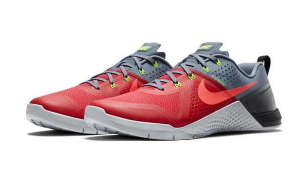 nike-metacon-1-daring-red-00