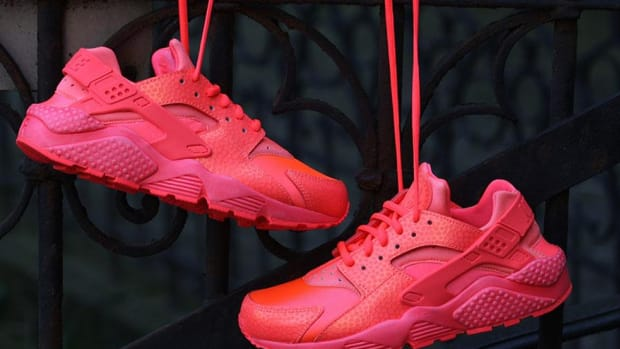 nike-wmns-air-huarache-run-hot-lava-00