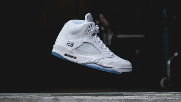 air-jordan-5-retro-white-metallic-silver-00