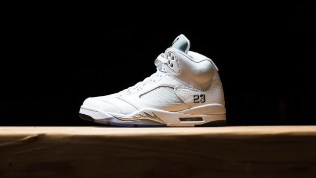 air-jordan-5-retro-white-metallic-silver-release-reminder-00