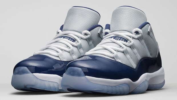 air-jordan-11-retro-low-grey-mist-00