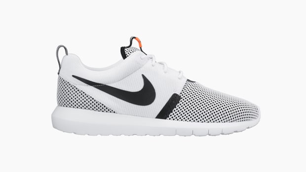 nike-roshe-run-breeze-nm-white-black-hot-lava-00