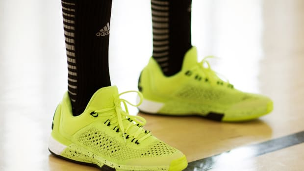 adidas-crazylight-boost-2015-00