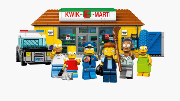 the-simpsons-kwik-e-mart-lego-set-00