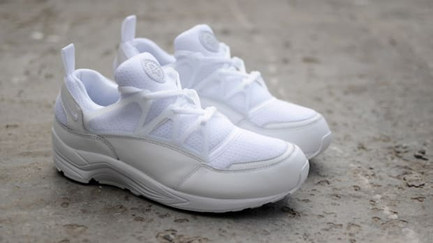 nike-air-huarache-light-triple-white-00
