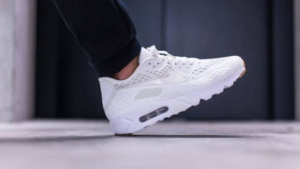 nike-air-max-90-ultra-breeze-summit-white-00