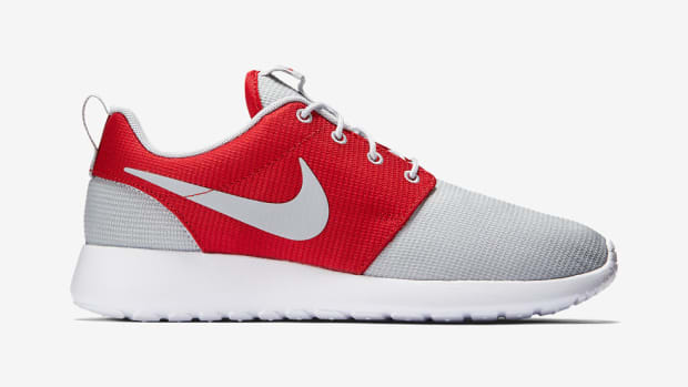 nike-roshe-one-wolf-grey-gym-red-00