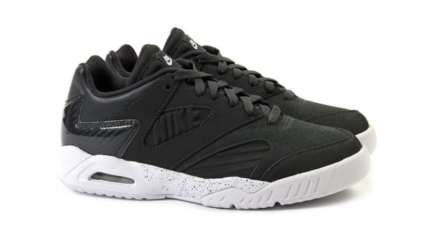 nike-air-tech-challenge-iv-low-anthracite-white-00
