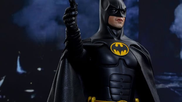 hot-toys-tim-burton-era-batman-00