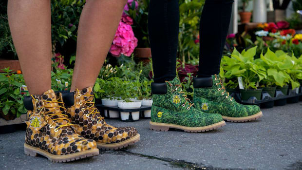 bee-line-timberland-grass-honeycomb-boots-release-00