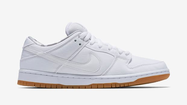 nike-sb-dunk-low-white-gum-00