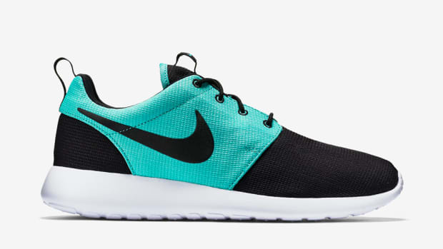 nike-roshe-one-black-light-retro-00
