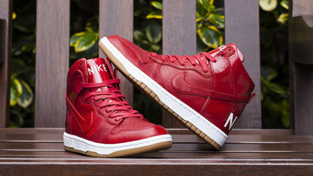 nike-dunk-high-lux-sp-gym-red-00