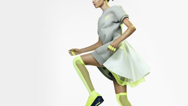 nikelab-sacai-summer-collection-lookbook-00