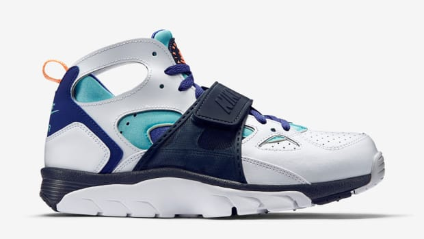 nike-air-trainer-huarache-light-aqua-blue-legend-00