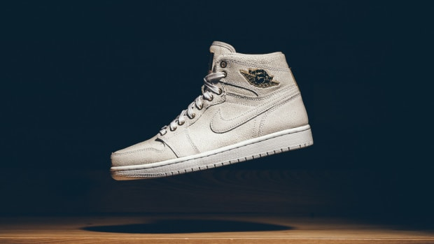 air-jordan-1-pinnacle-white-metallic-gold-00