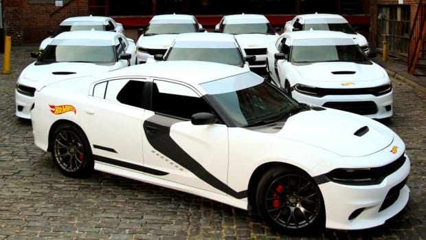 storm-trooper-inspired-dodge-charger-uber-car-00
