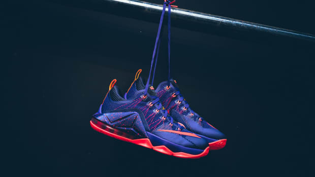 nike-lebron-12-low-court-purple-00