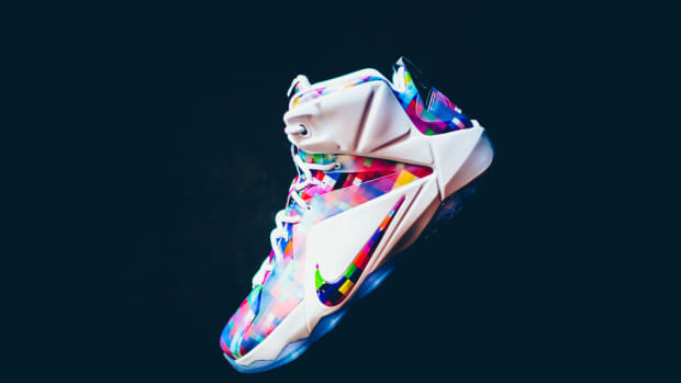 nike-lebron-12-ext-finish-your-breakfast-00