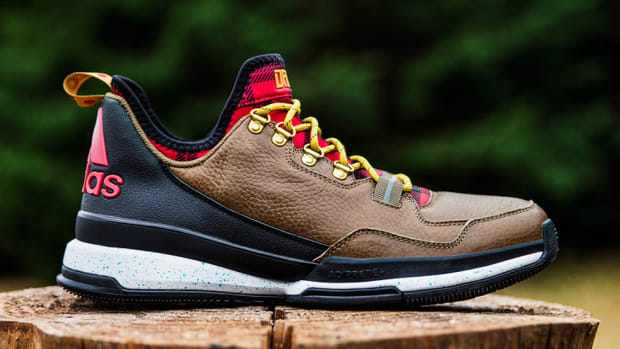 new-adidas-d-lillard-1-pays-tribute-to-portland-00