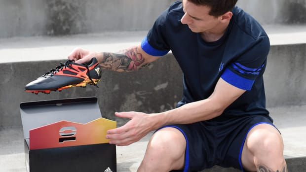adidas-unveils-limited-edition-messi-10-10-boot-00