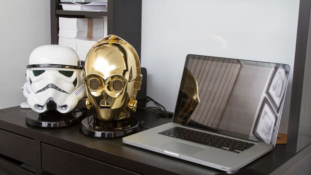star-wars-themed-c-3po-stormtrooper-bluetooth-speakers-00