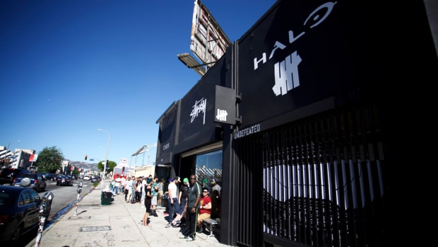 undefeated-halo-5-guardians-pop-up-shop-00