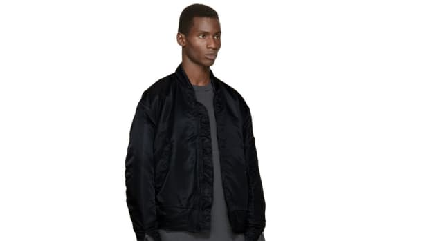 yeezy-season-1-black-nylon-bomber-jacket–0