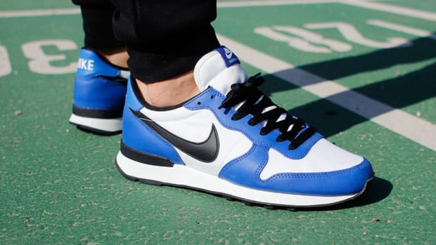 nike-internationalist-varsity-royal-00